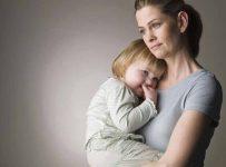 одинокая мама и ребенок